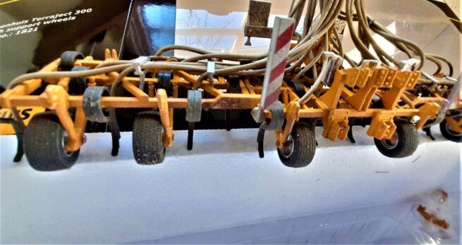 Veenhuis Terraject 300 Bouwlandbemester met Loopwielen (Vervuild)